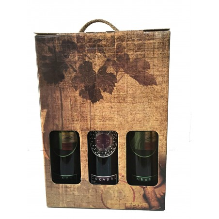 Case with three bottles of red wine ideal for an elegant gift