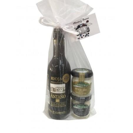 Vino y tarros de queso en miniatura para regalo de bautizo
