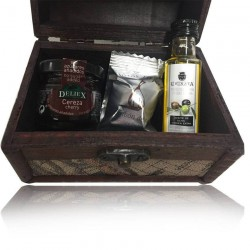 Wood chest with extra virgin olive oil, fig bonbon and cherry jam