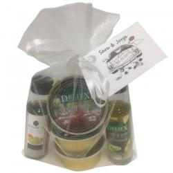 Detalle de paté, vinagre y aceite