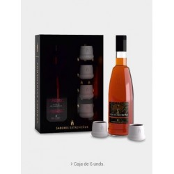 Gift pack of acorn liqueur