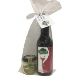Extremeño 100% miniature wine with goat cheese jar for events