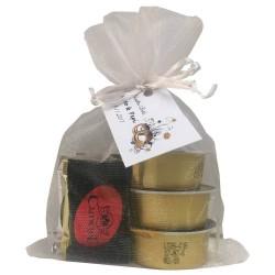 Detalle con napolitanas de chocolate variadas y patés Deliex para evento