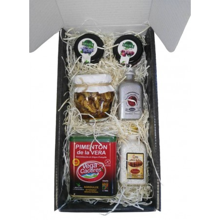 Lot with paprika, honey with nuts, jams and liqueurs panizo