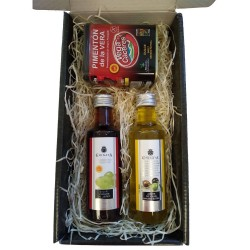 Gift case with paprika of la vera, oil and vinegar La Chinata