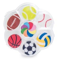 Detalle caja con gomas de borrar deportivas