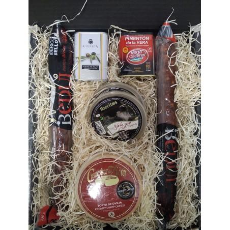 Cesta mediana con cremosito, pimentón, aceite, salchichón, chorizo y patés regalo navidad