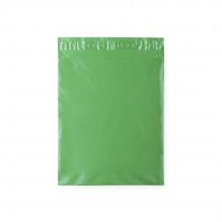 Bolsa verde para regalos con adhesivo.