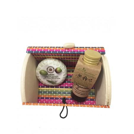 Bodymilk y jabón con baúl en miniatura