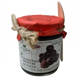 Extra Picotas Jam 250 ml with spoon for detail.