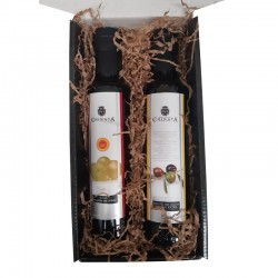 Basket with oil and vinegar La Chinata for a gift