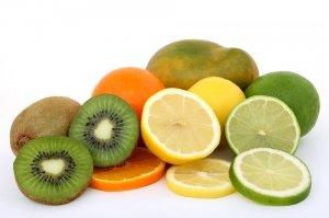 El sabor acido está presente en los cítricos.