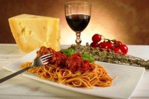 En la cena italiana la pasta sigue siendo protagonista.