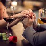 Un buen vino, el mejor detalle para una cena romántica