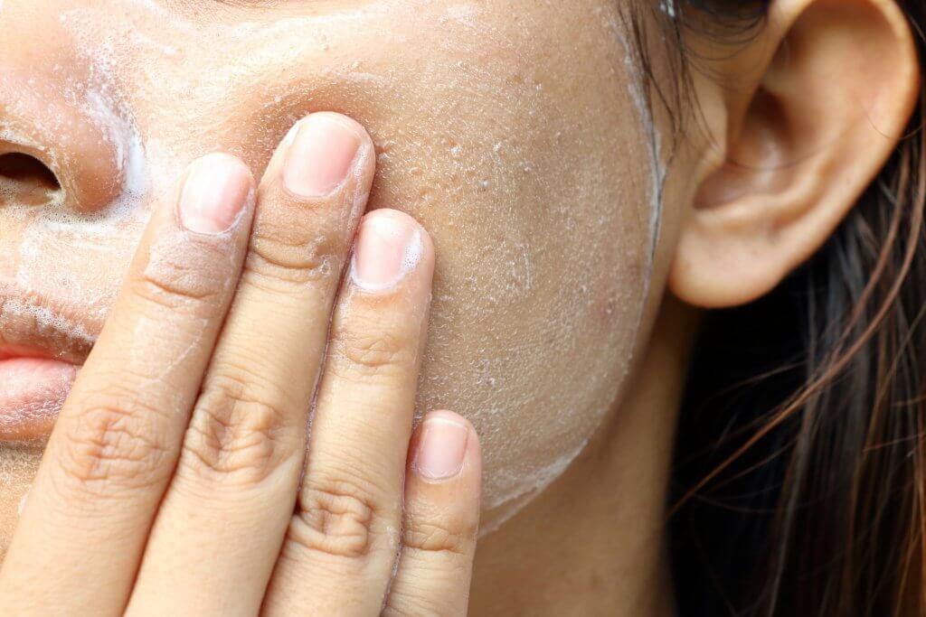 Mascarilla exfoliante, para qué sirve el exfoliante facial