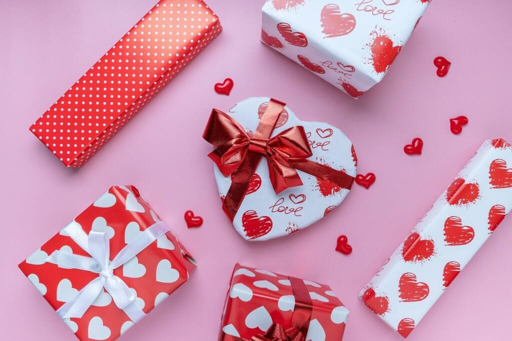 Regalos de aniversario, ¿cómo sorprender a tu pareja?
