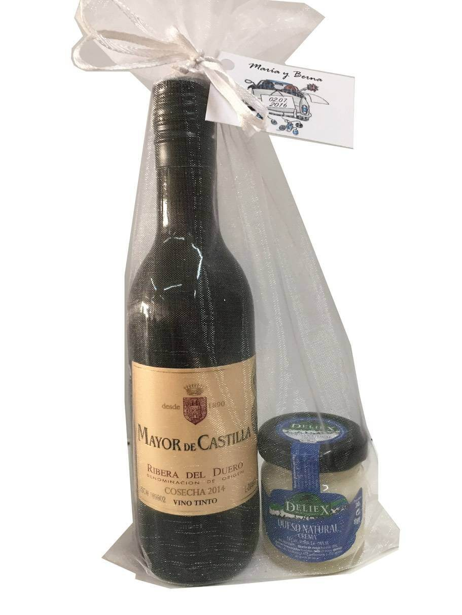 Wine Mayor de Castilla for gift with cheese spread