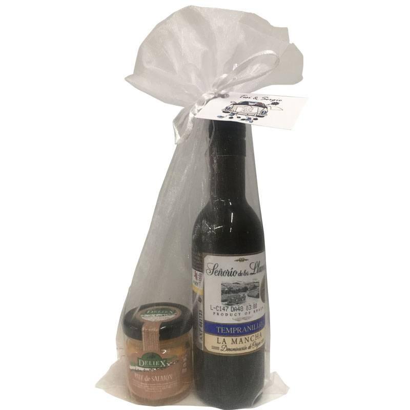 "Wine ""Seniorio de los llanos"" with salmon pate for celebrations"