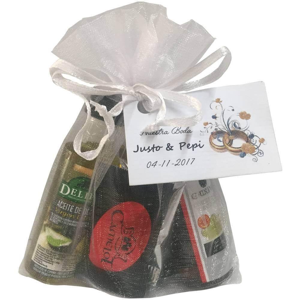 Emballer des napolitains d'huile, de vinaigre et de chocolat assortis pour des événements