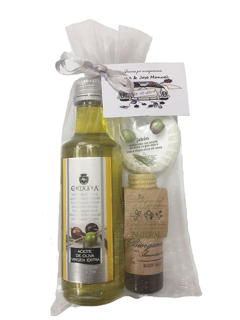 Détail de mariage (huile d'olive, lait pour le corps et pain de savon)